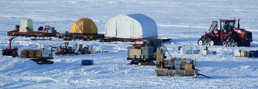 The composed GrIT sled. The yellow tent is camp for two persons. The little white tent is measurement hut for the radar, which will be active while driving.